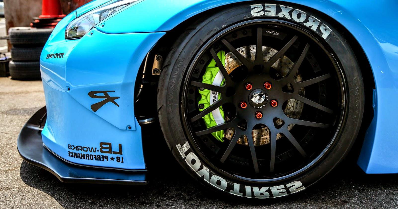 Nissan GT-R Modified Wheel Bright Blue Wallpaper