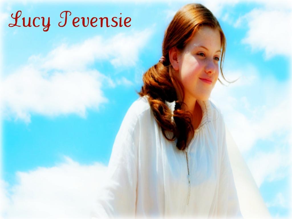 http://3.bp.blogspot.com/-CVT_xDZBmXI/Ts7Zf_EWP3I/AAAAAAAACFw/0AWt0nEjwOo/s1600/Lucy+Pevensie+2.jpg