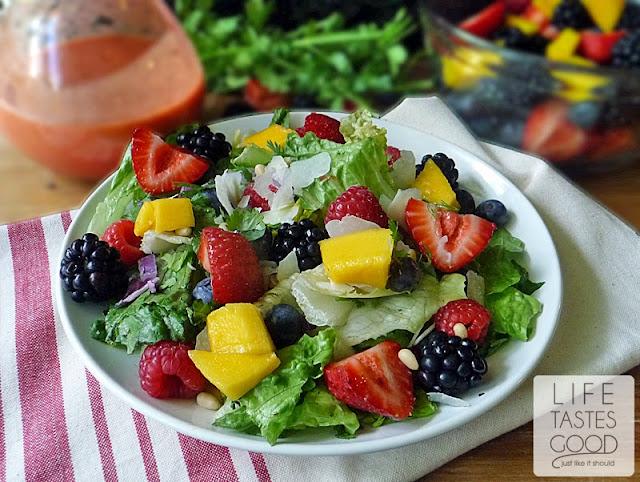Mango Raspberry Vinaigrette | by Life Tastes Good is a little bit sweet, a little bit tangy, and a whole lot tasty! #SaladDressing #Fruit