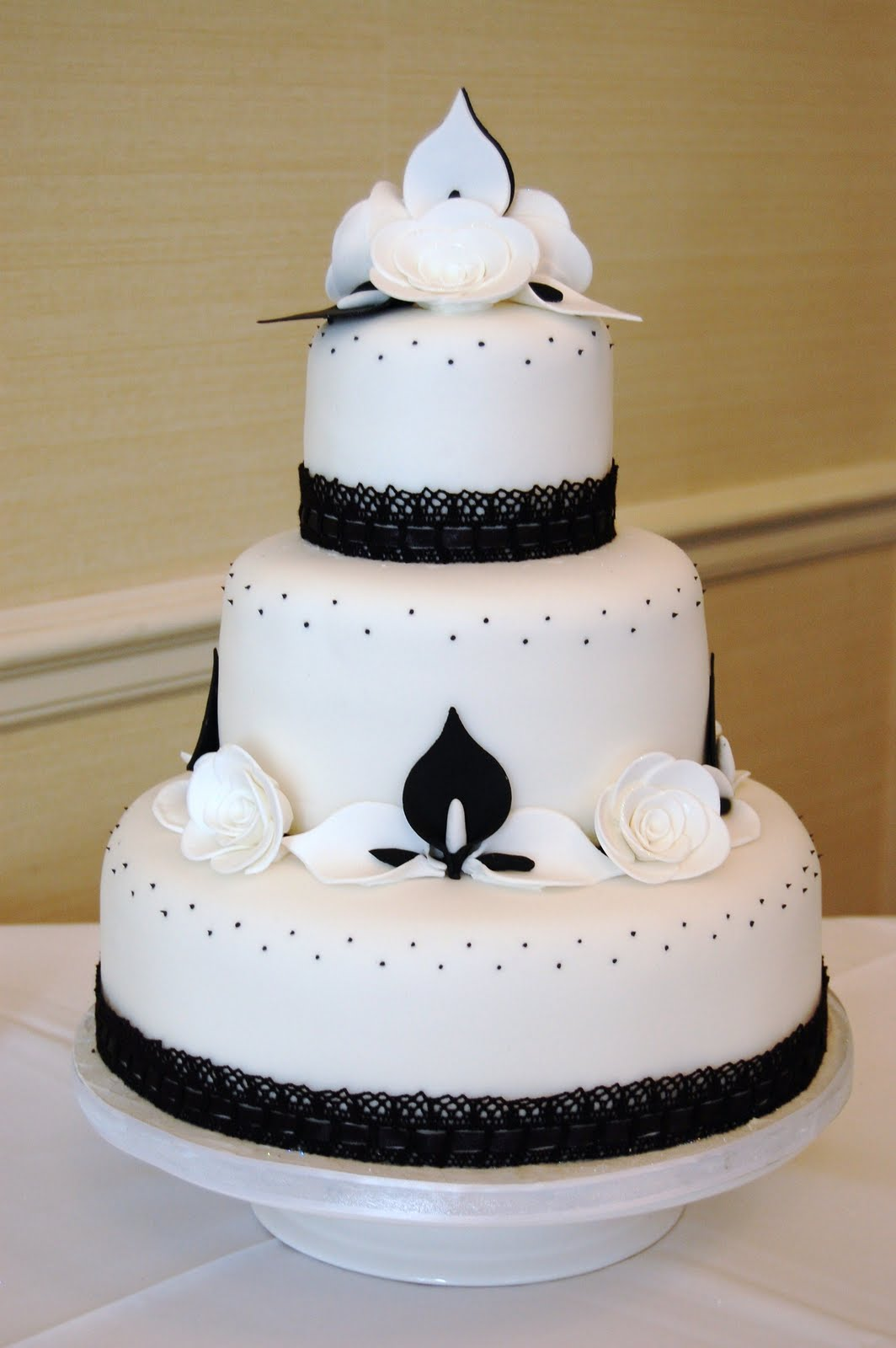 MI AMOR CAKES LIMITED Black And White Wedding Cakes