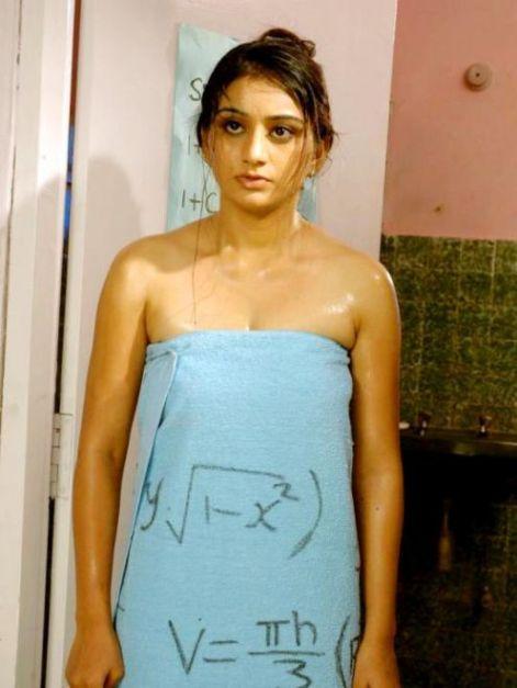 swathi priya in towel unseen pics