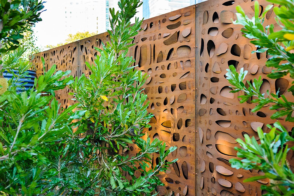 Lump sculpture studio specialising in corten steel for Decoration jardin metal