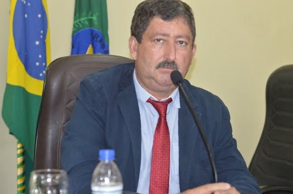 Prefeito Caetano decreta três dias de luto oficial pela morte do ex-prefeito Clovis Moretti.