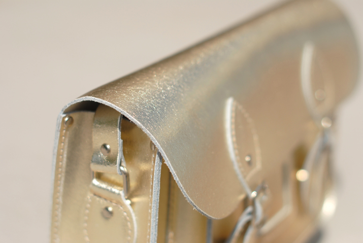 Golden satchel bag at fashion blog, Barcelona