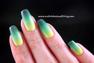 gradient nail art