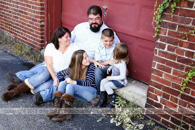 urban lifestyle family photo - Clinton, Indiana Photographer