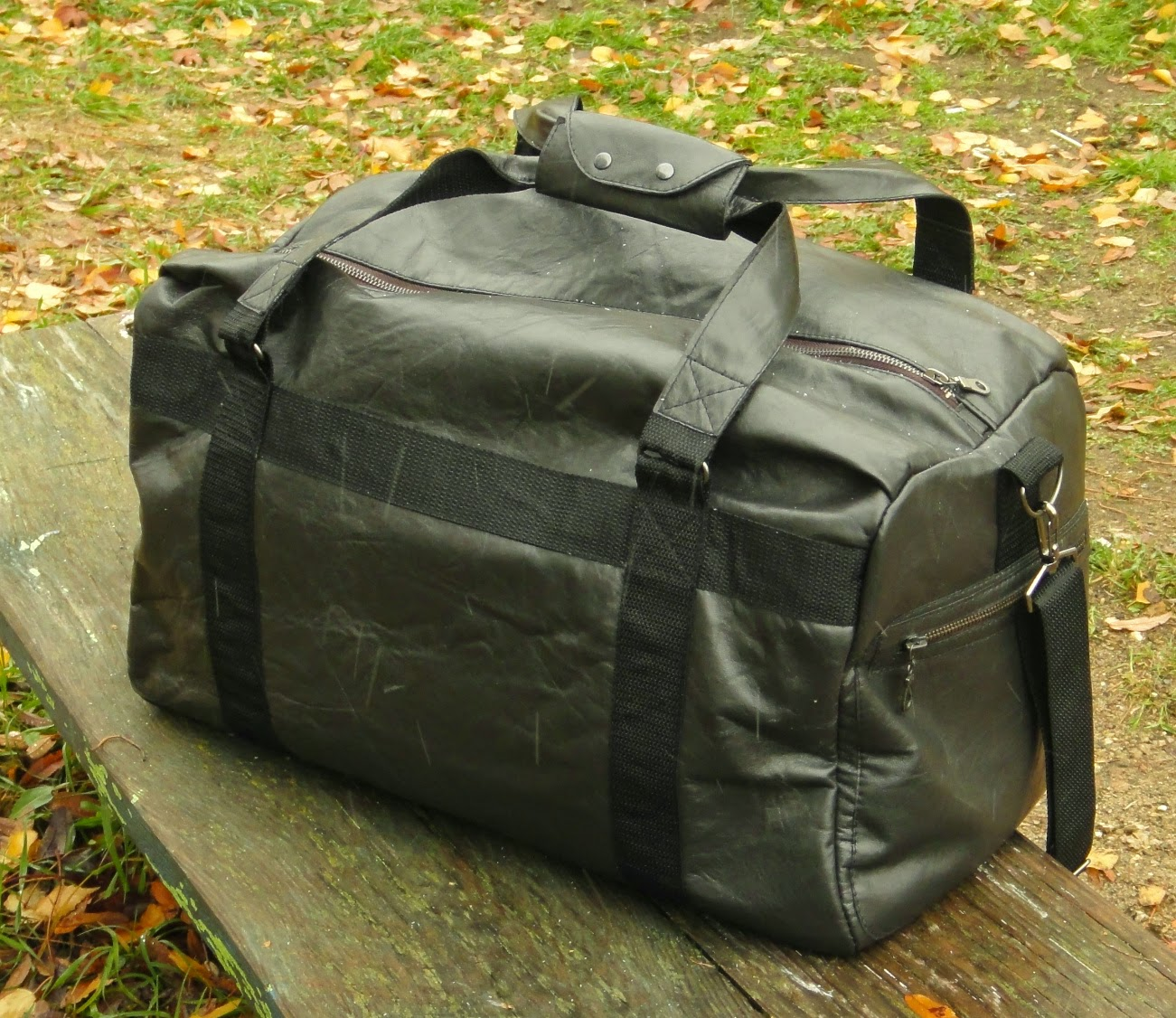 Черная кожаная сумка (натуральная кожа) - подарок мужчине