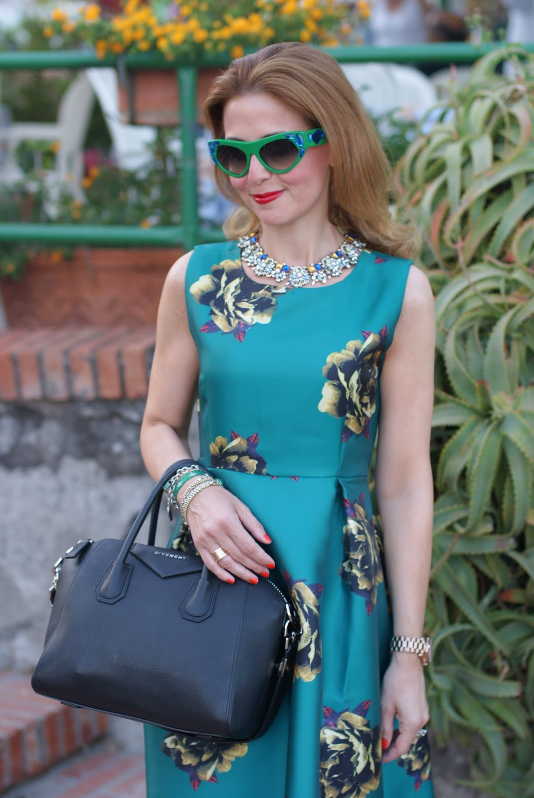 Choies green midi dress, Givenchy Antigona bag and Prada Voice sunglasses found on Giarre on Fashion and Cookies fashion blog, fashion blogger style
