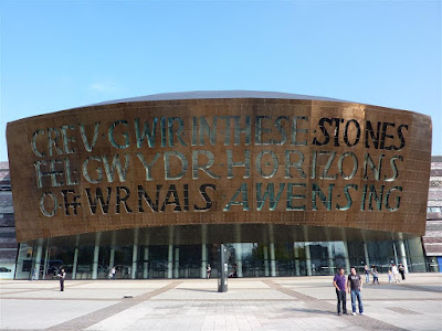 "Centro cultural ""Wales Millenium Center"" de Cardiff"