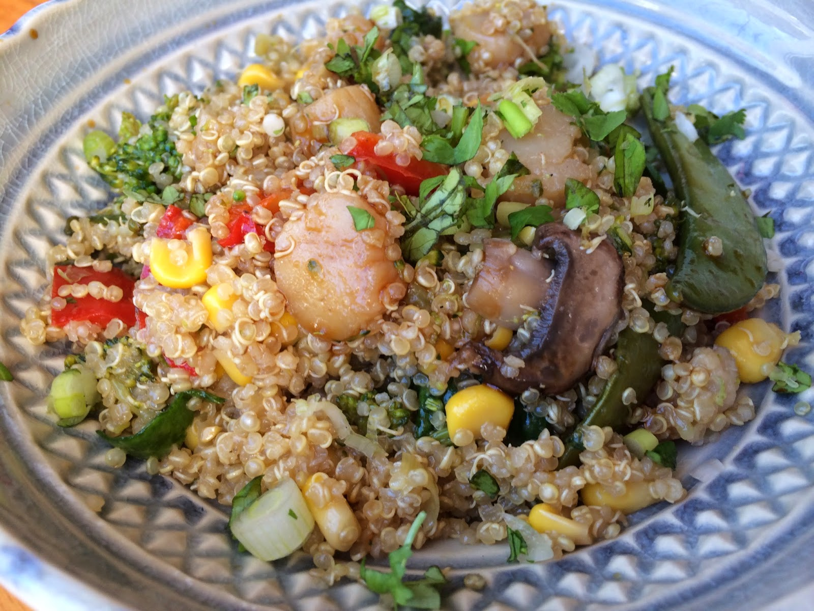 Clean Eating Asian Scallops and Toasted Quinoa Bowls