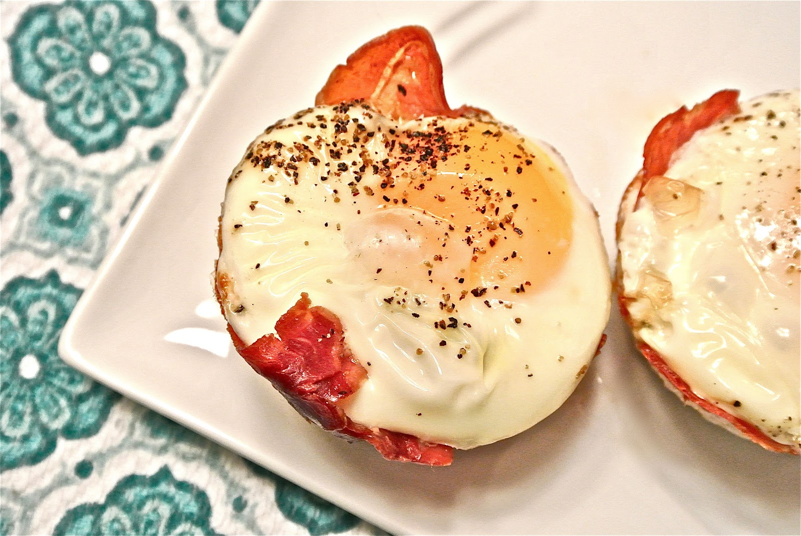 The Barbee Housewife: Baked Prosciutto Egg Cups