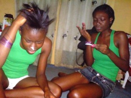 VIDEO – CHECK OUT THESE TWO FUCKED UP NAIJA BABES