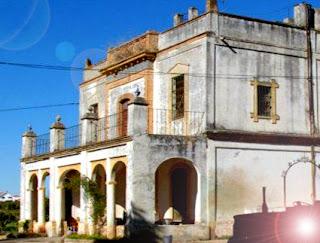 LA FINCA DEL MAGISTRAL. 3+La-casa-del-Mayoral-en-Villanueva-del-Ariscal