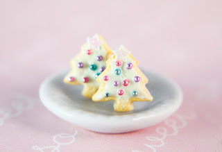 https://www.etsy.com/listing/256263282/christmas-tree-sugar-cookie-stud?ref=shop_home_active_2