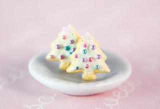 https://www.etsy.com/listing/256263282/christmas-tree-sugar-cookie-stud?ref=shop_home_active_2