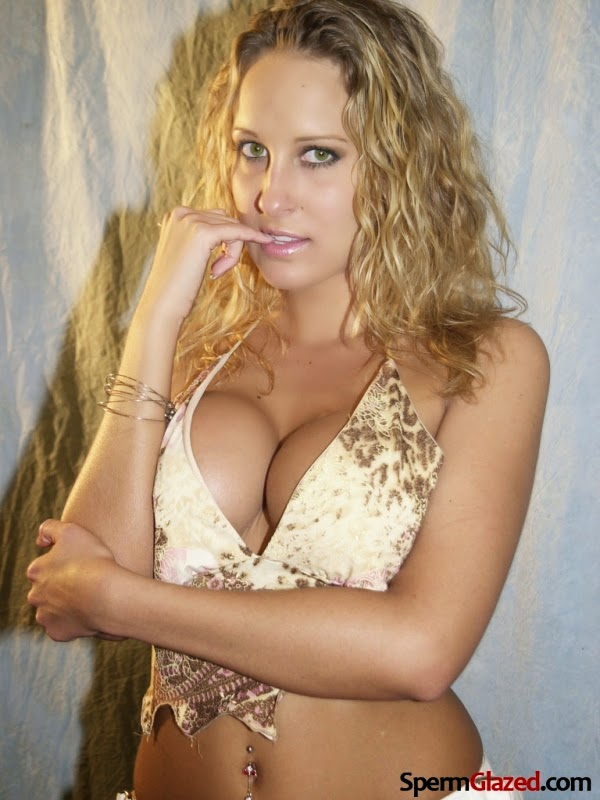 Lana Moore Nude Photos 11