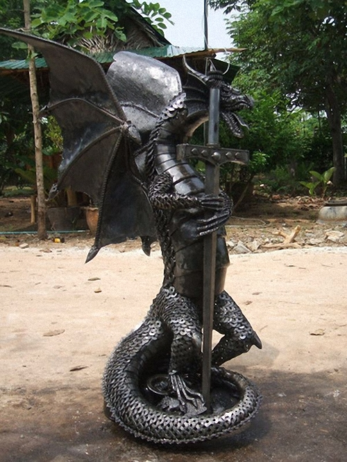 Large-Fantasy-Sculpture-Dragon-3-Giganten-Aus-Stahl