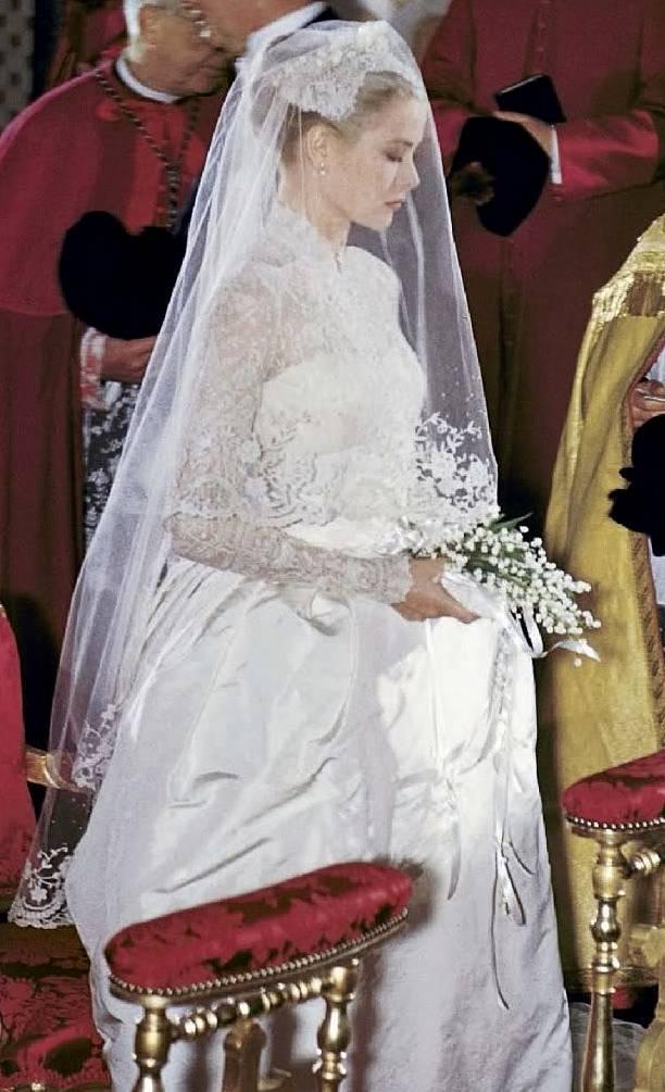 The royal order of sartorial splendor readers 39 top 10 for Princess grace wedding dress
