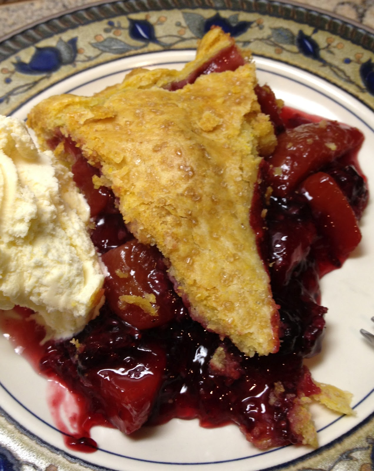 Blackberry Pie Filling Dump Cake Recipe