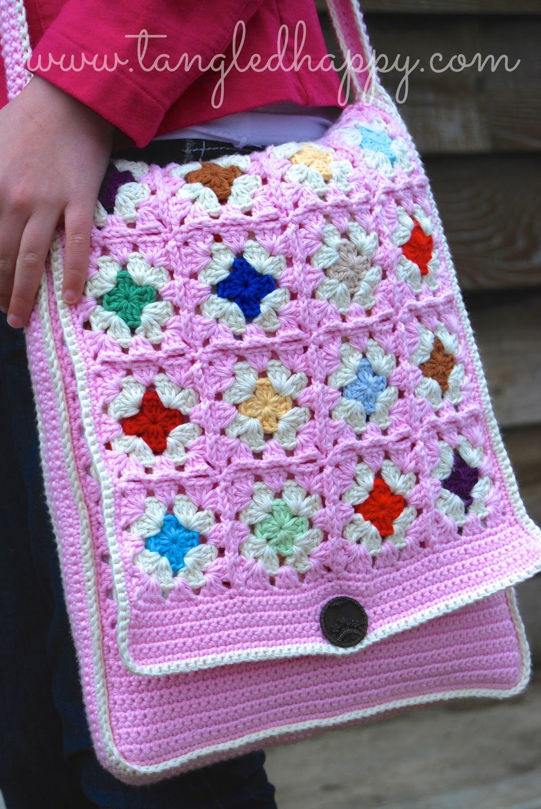 Crochet Crossbody Bag Pattern : tangled happy: Grannys Messenger Bag {Free Crochet Pattern}