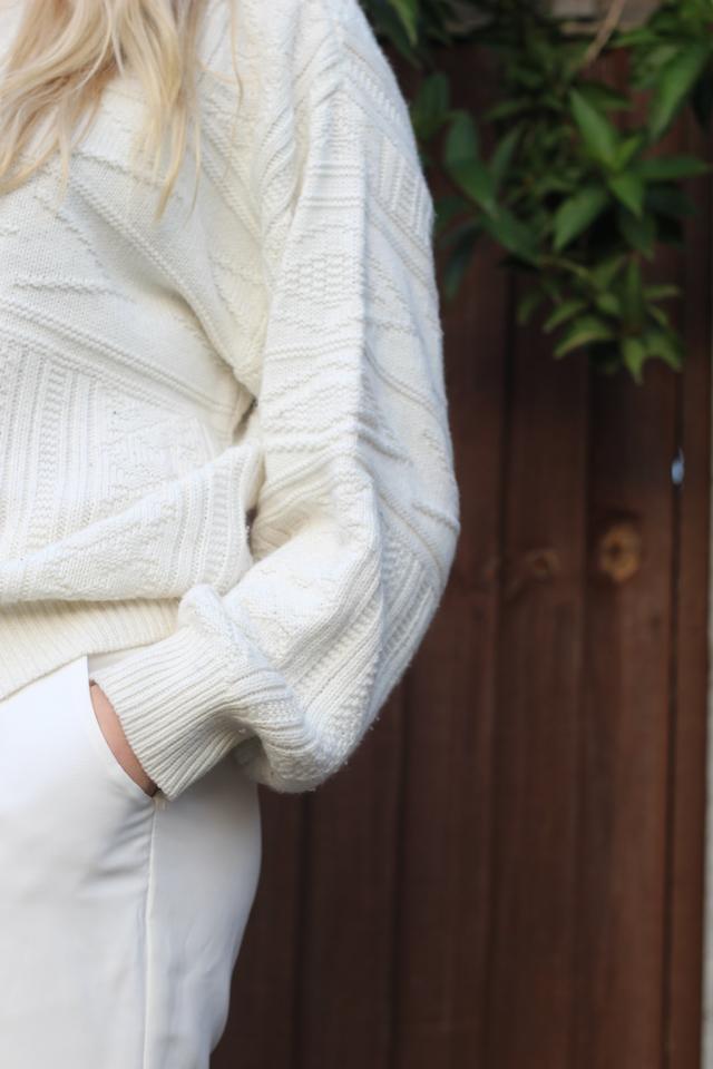 how to wear vintage jumper