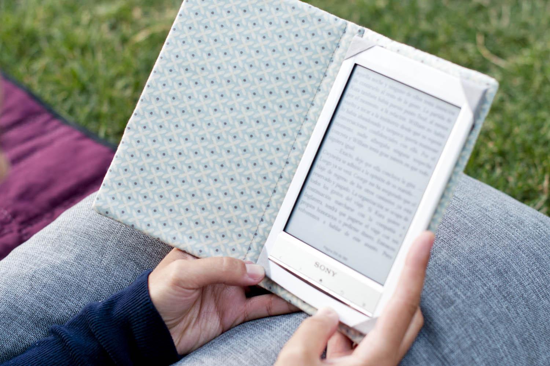 La gata con botas funda para libro electr nico e book cover - Fundas para ebook ...