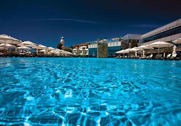 İstanbul'un En İyi Yüzme Havuzları / Polat Renaissance Havuz