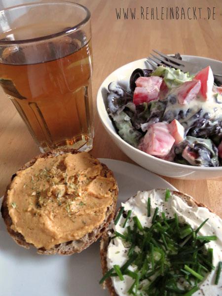 Thema Ernährung. Meine Ernährungsumstellung. Gesunde Ernährung. Abendessen. Roggenbrötchen mit Salat und Kräutertee. | Foodblog rehlein backt