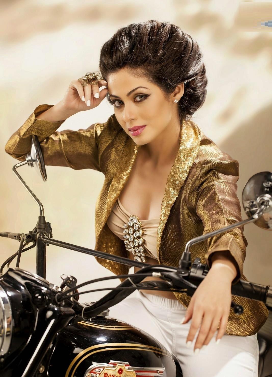 Sadha hot photos