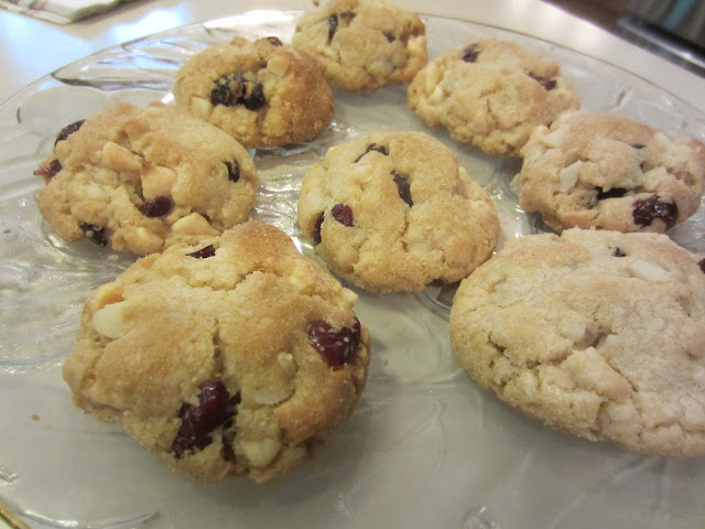 My Patchwork Quilt: WHITE CHOCOLATE CRANBERRY MACADAMIA NUT COOKIES