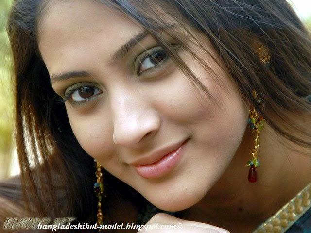 Bangladeshi model Mehzabean chowdhury