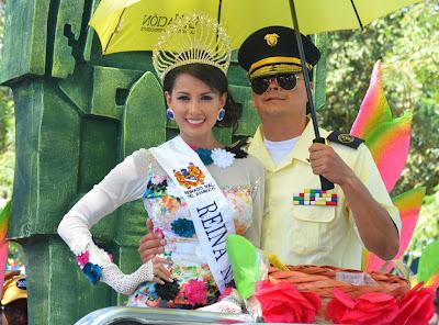 desfile-bienvenida-reinas-nacionales-del-bambuco-neiva-2013