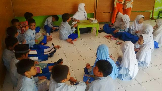 Siswa Bina Amal Memperbaiki Bacaan Quran