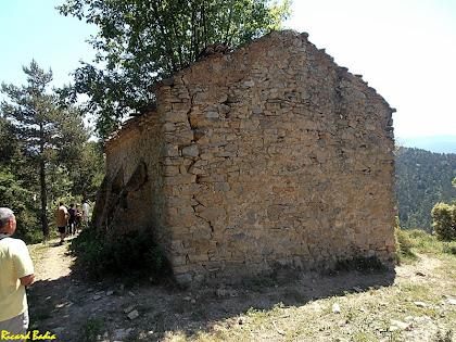 El mur de ponent de l'ermita de Santa Fe de Quer. Autor: Ricard Badia