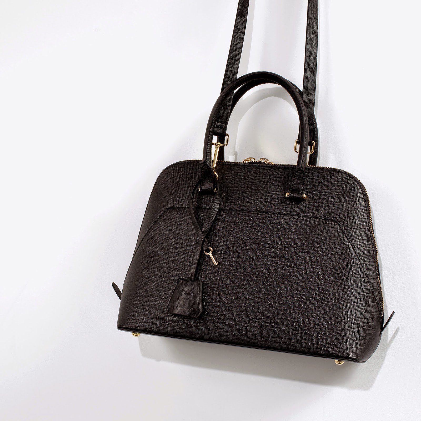 http://www.zara.com/uk/en/woman/handbags/hand-bags/mini-citybag-c269201p1984438.html