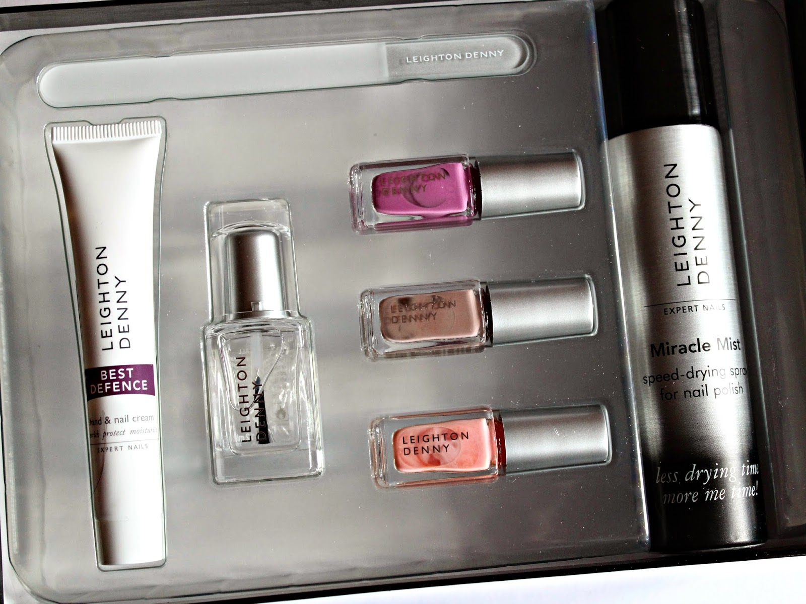 A picture of a Leighton Denny Expert Nails Kit