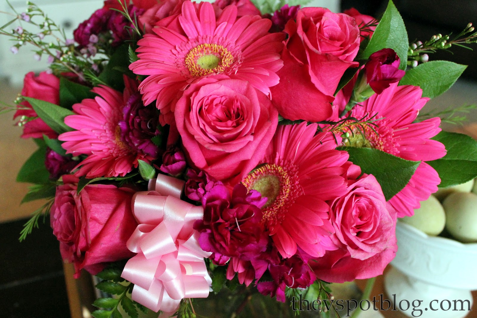 http://3.bp.blogspot.com/-C_1Hd_H2KEA/T6MP990s4BI/AAAAAAAAHXA/hm3uZVNIM34/s1600/Better+Homes+and+Gardens,+FTD+florist,+flowers,+pink+roses,+gerber+daisy.jpg#roses%20for%20nice%20people%201600x1067