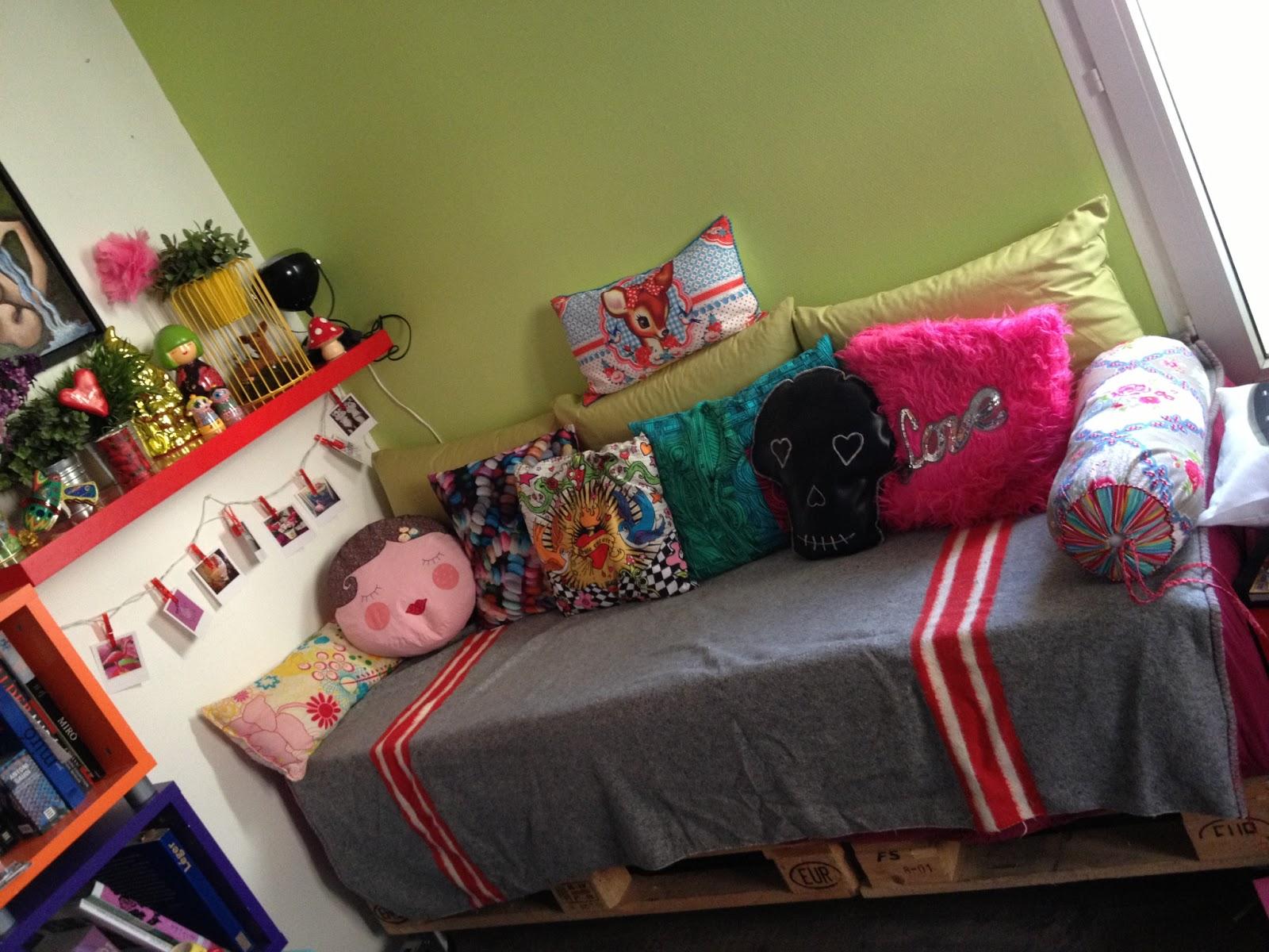 lilou f e de la d co une histoire de canap qui se met au vert. Black Bedroom Furniture Sets. Home Design Ideas