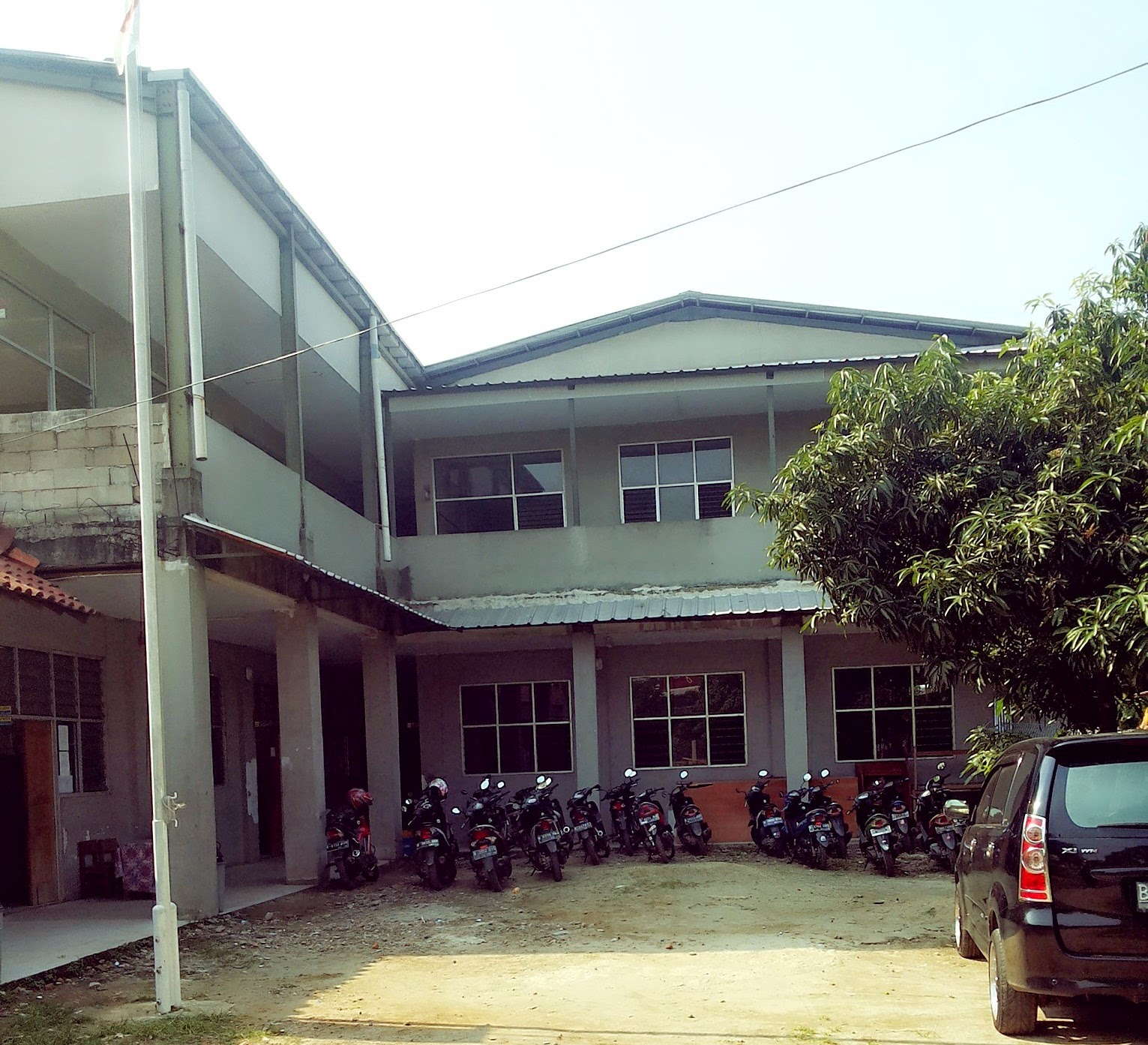 GEDUNG SMK 1 CAITRA ADHI PRATAMA - JAKARTA :