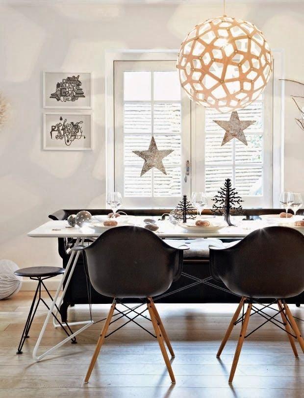 15 comedores decorados en blanco y negro for Sillas para una mesa de cristal