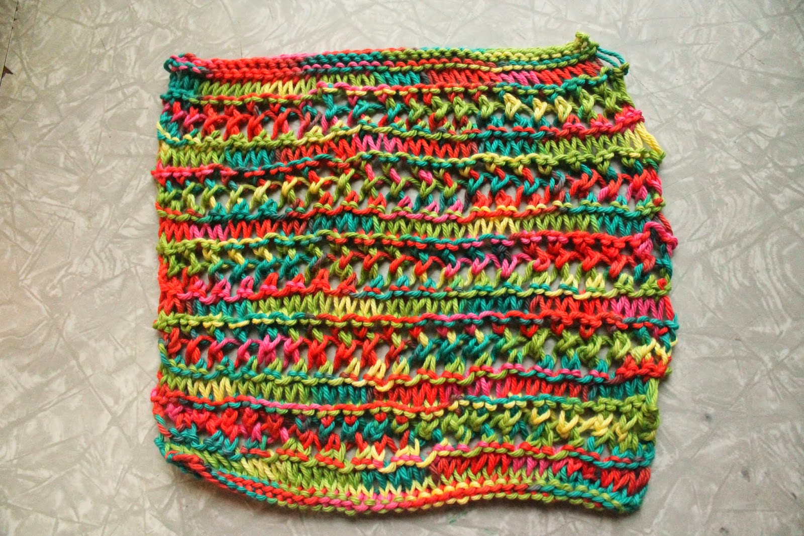Knitted Dishcloth Patterns For Variegated Yarn : Everyday Life at Leisure: Weekly Dishcloth: Knitting the Variegated Dishcloth