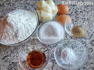 Biscuiti spritati cu untura ingrediente reteta