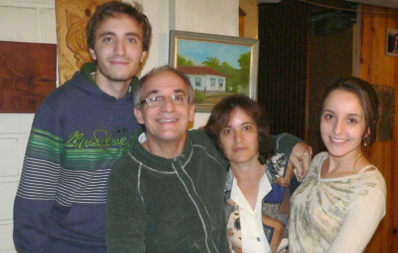 Junto com a família
