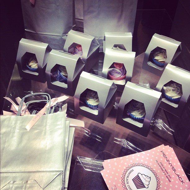 boite emballage cupcakes sac et carte d'invitation