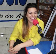 Naiara Azevedo nos estúdios da Radio Circuito das Águas FM em 28/08/2012