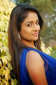 Eesha Ranganath Photos-thumbnail-17