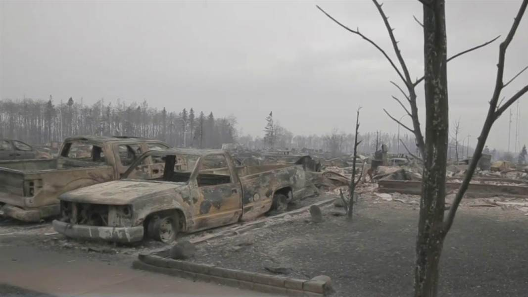 Huge forest fire that prompted the evacuation of Fort McMurray remaines out of control