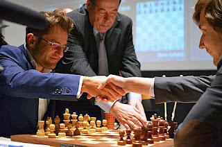 Echecs : Levon Aronian (2812) 1-0 Sergey Karjakin (2759) - Photo © ChessBase