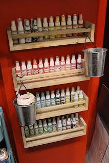 Crafty storage celine navarro 39 s atelier - Rangement bouteille ikea ...