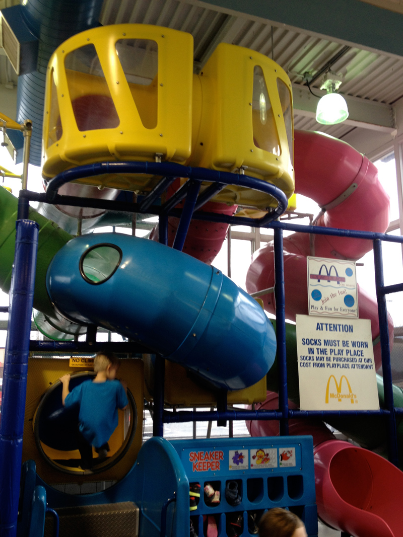 Old McDonalds Characters That You Dont See In Their Branding Anymore Between The Playplace And Rest Of Dining Room Is A Large Fish Tank With